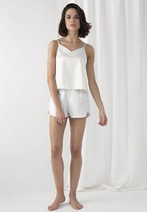 Pyjama bestaande uit een topje en short